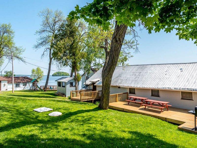Plank Road Cottages & Marina - 5 Bdrm - Rice Lake - Gore's Landing, alquiler de vacaciones en Cobourg