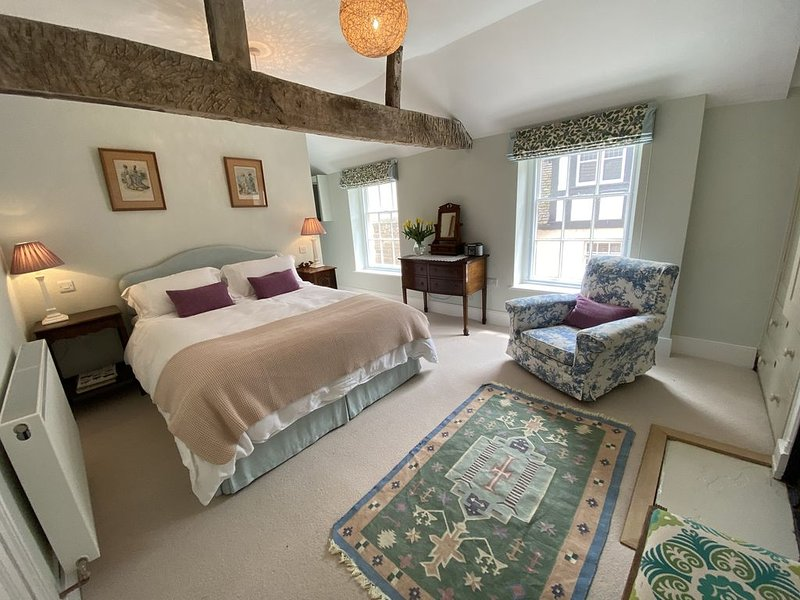 Recently modernised traditional cottage in the heart of Ludlow, casa vacanza a Burrington