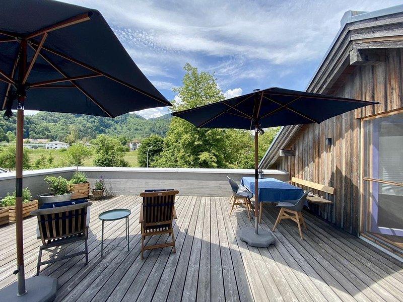 Mansardenwohnung mit toller Dachterrasse, alquiler de vacaciones en Oberaudorf