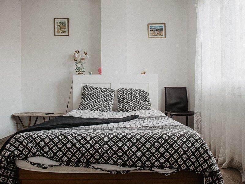 MAISON DE PROVENCE – VALLÉE DES BAUX - AVEC JARDIN, vacation rental in Saint-Martin-de-Crau