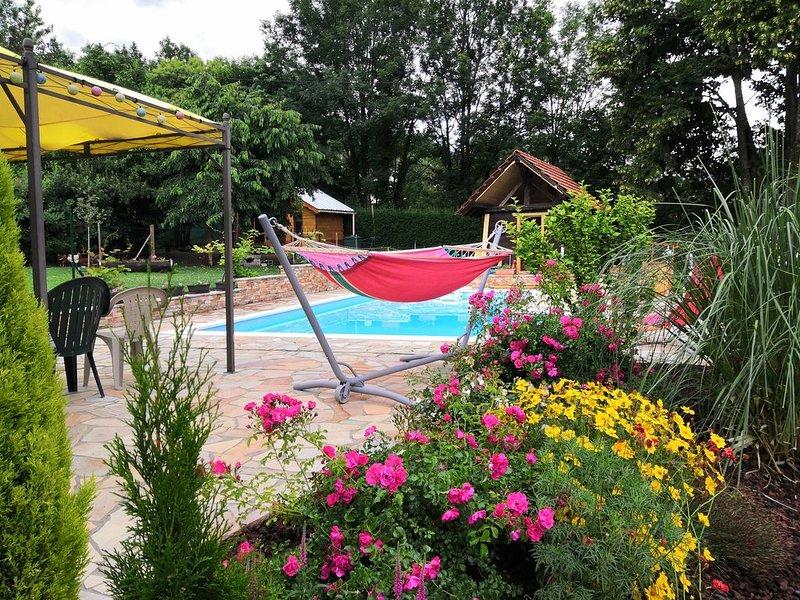 Studio indépendant dans maison (avec accès piscine) entre Albertville et Annecy, aluguéis de temporada em Gilly-sur-Isere