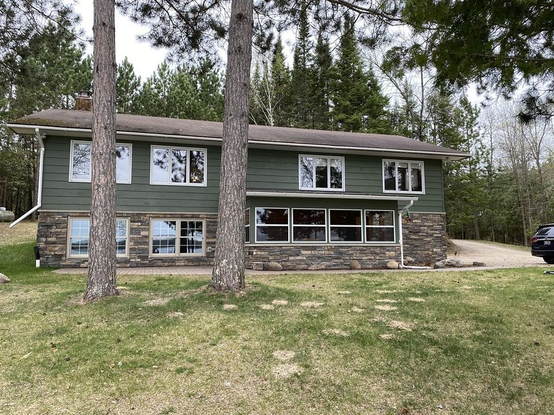 Relax with amazing lake views, holiday rental in Deer River