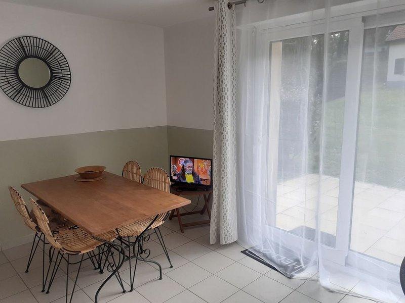 Cottage indépendant avec terrasse plein Sud-Ouest, holiday rental in Neufchatel-Hardelot