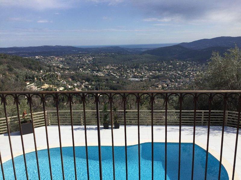 Maison type provençale avec vue exceptionnelle et dégagée, holiday rental in Cabris
