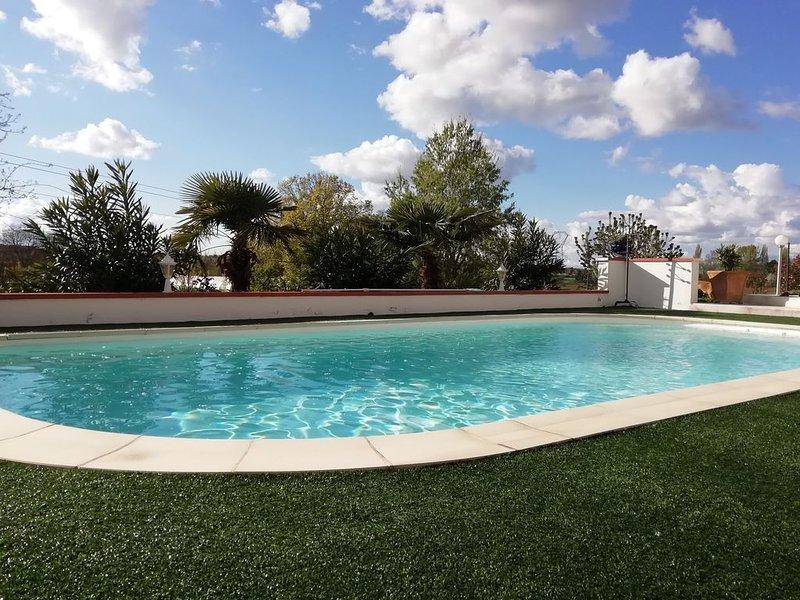 Le Gite du Moulin avec sa piscine et son terrain de pétanque privée, vacation rental in Lagardelle-sur-Leze