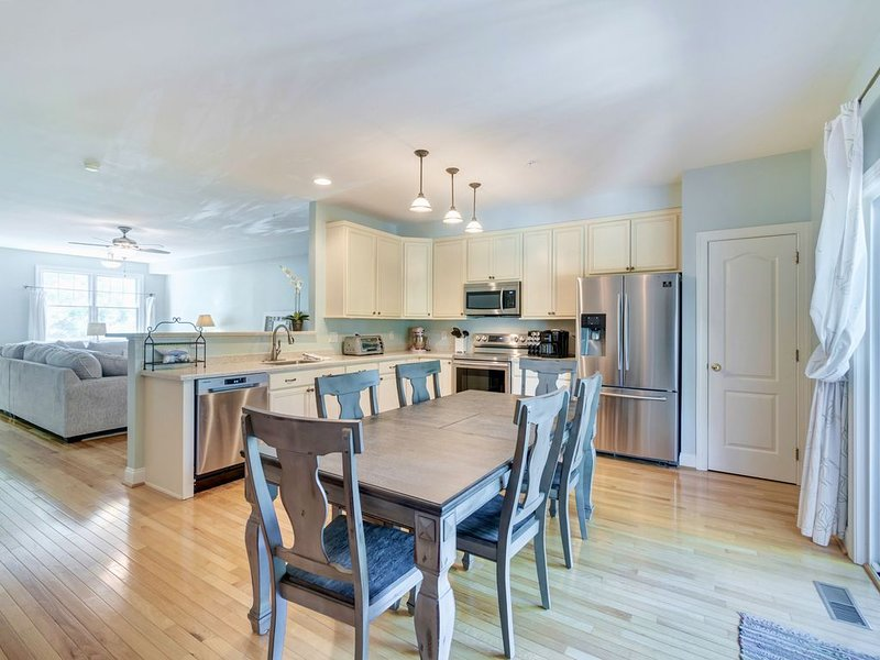 Sparkling Clean Rehoboth Beach 4BR Townhome in Gated Community, alquiler de vacaciones en Rehoboth Beach