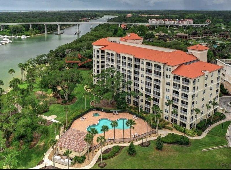 Beautiful Palm Coast Resort Condo, holiday rental in Palm Coast