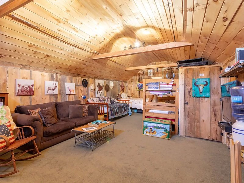 Barn Loft, holiday rental in Southbridge