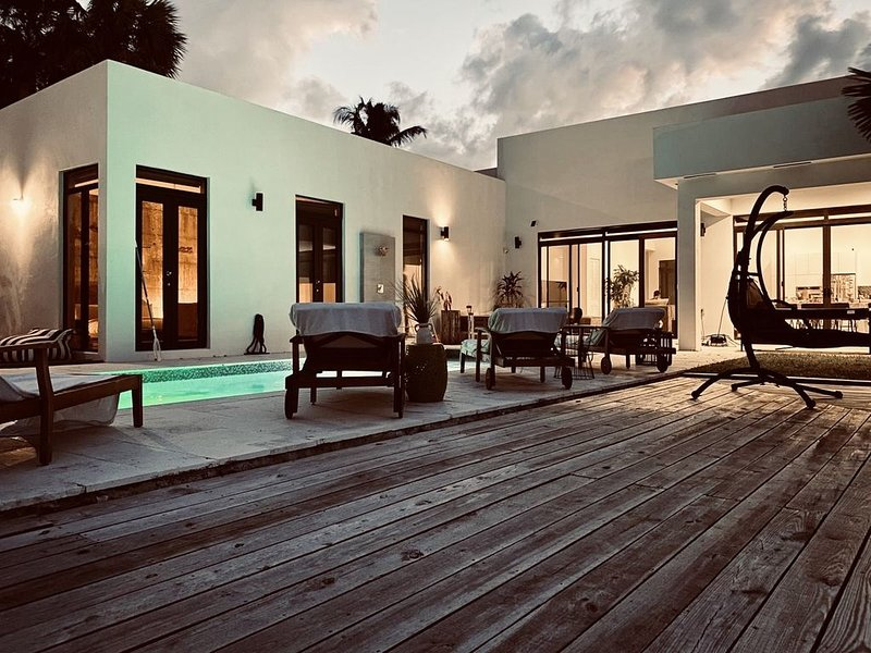 Luxury villa in Fort Lauderdale, holiday rental in Dania Beach