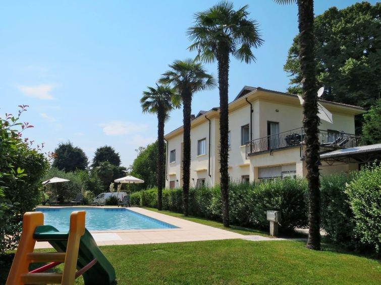 Ferienwohnung del Sole (LUI271) in Luino - 4 Personen, 1 Schlafzimmer, holiday rental in Luino