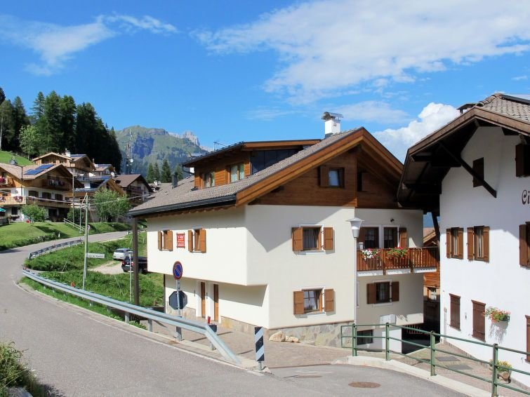 Ferienwohnung Stabler (PFS302) in Pozza di Fassa - 4 Personen, 2 Schlafzimmer, holiday rental in Mazzin