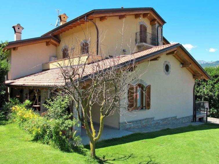Ferienwohnung Fulvia (CCO125) in Colico - 5 Personen, 3 Schlafzimmer – semesterbostad i Colico