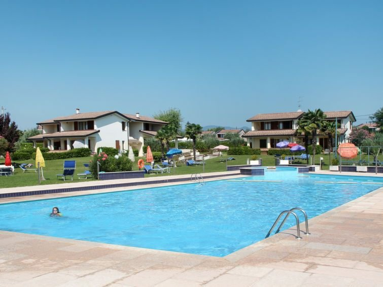 Ferienwohnung Primera (MOG204) in Moniga del Garda - 6 Personen, 2 Schlafzimmer, vacation rental in Moniga del Garda