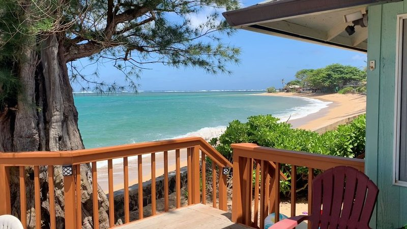Oceanfront house near Polynesian Culture Ctr and Jurassic World (Kualoa Ranch), vacation rental in Hauula