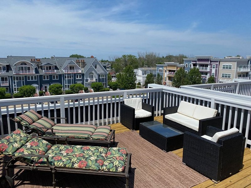 Newly remodeled 3 BR town home in the heart of New Buffalo, alquiler de vacaciones en New Buffalo