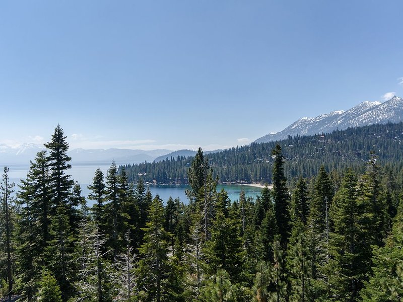 West Shore home with panoramic view of Lake Tahoe!, vacation rental in Tahoma