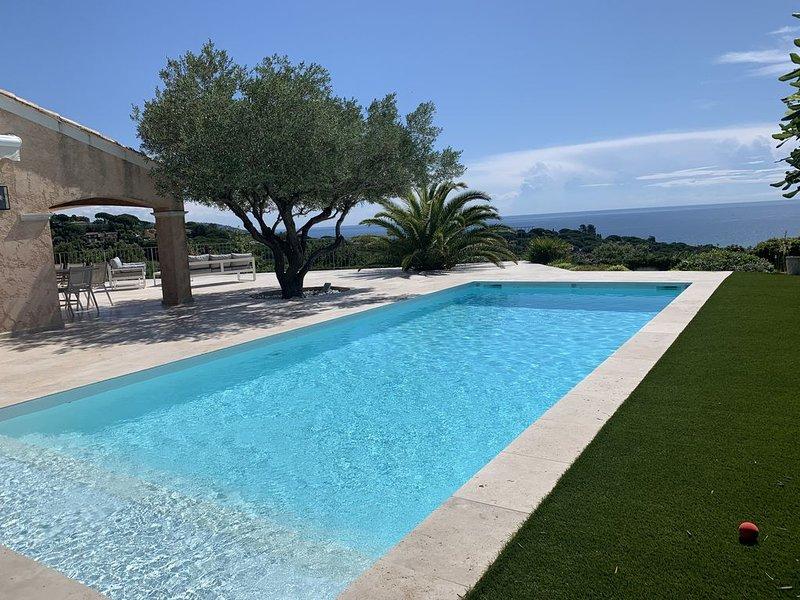 Superbe  villa vue mer panoramique Sainte Maxime, holiday rental in Sainte-Maxime