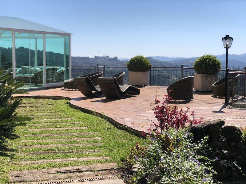 Casa paraíso das montanhas - MORRO DO ELEFANTE | 6 QUARTOS, holiday rental in Campos Do Jordao