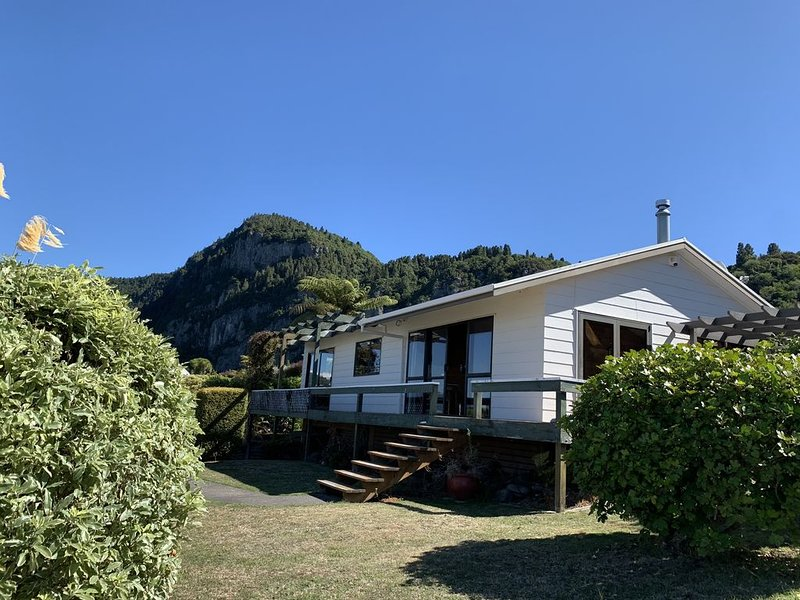 Linga-Longa Lakeside Retreat, aluguéis de temporada em Taupo District