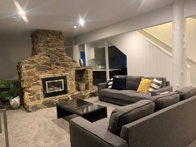 Bullumwaal- renovated chalet, holiday rental in Mount Hotham