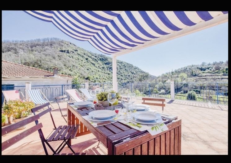 Casa  in tranquilla borgata di paese in Liguria, piscina e spa  (non incluse), holiday rental in Prela