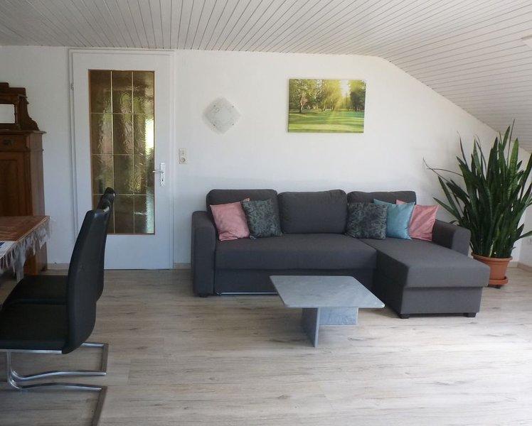 großzügige Ferienwohnung in ruhiger Ortsrandlage von wunderschöner Natur umgeben, casa vacanza a Sigmarszell
