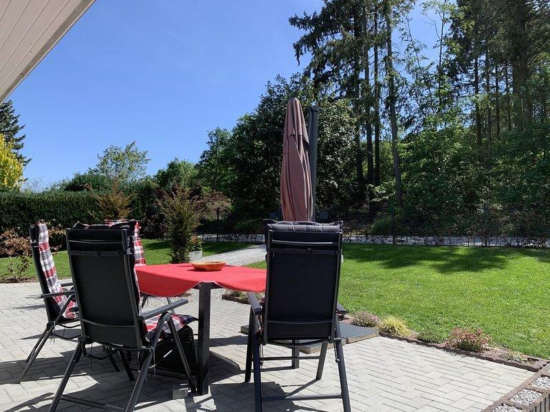 Ferienhaus mit 300m ² eingezäuntem Grundstück, ruhige Lage, direkt am Wald, casa vacanza a Ilsenburg