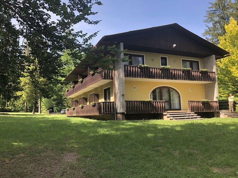 See-Chalet - Appartment am Klopeiner See (direkt an der Promenade), Ferienwohnung in Ebenthal