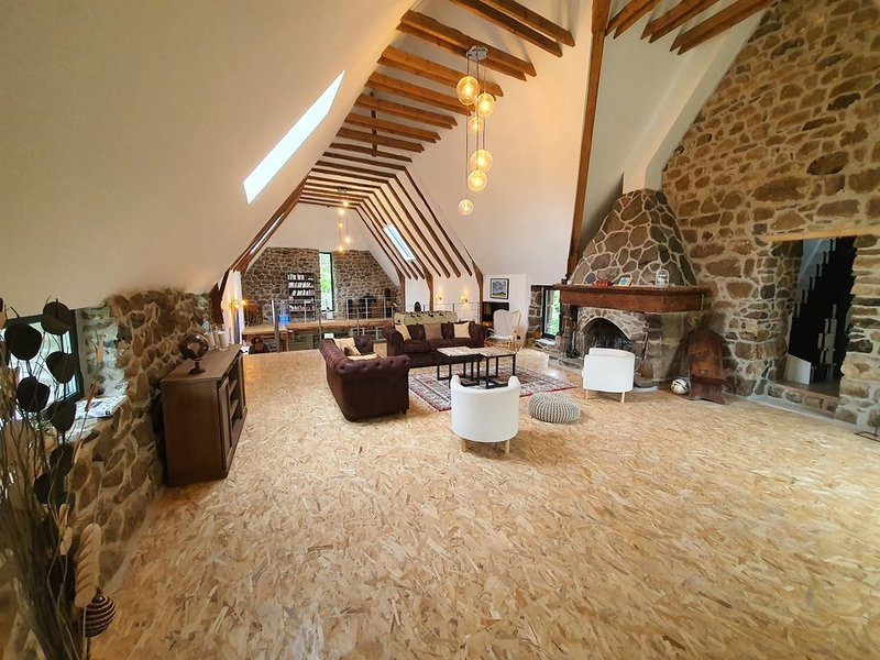 Maison en plain coeur de l'Aubrac, holiday rental in Antrenas