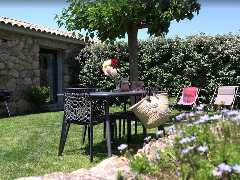 Appartement Rosumarinu, vacation rental in Figari