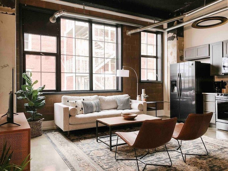 202 · Sunny Gay St Loft, vacation rental in Knoxville