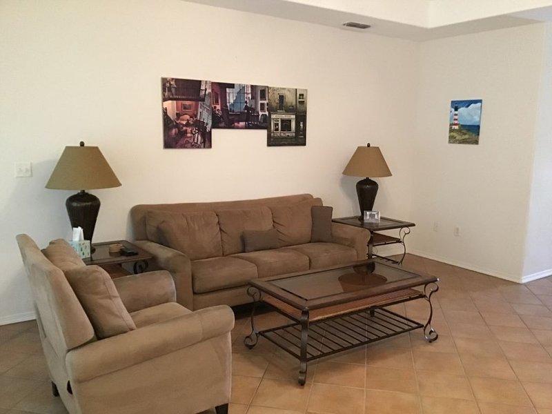 Beautiful 3 Bedroom Golf Villa~16ACT, vacation rental in Brownsville