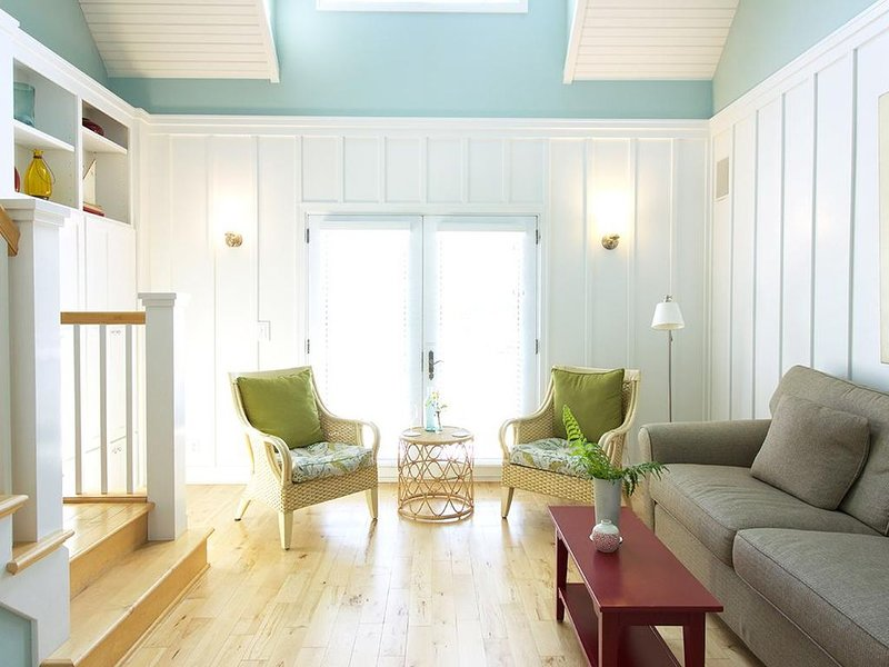 Beach House Rental in Holland, Michigan with Free Golf and Heated Pool, casa vacanza a Holland