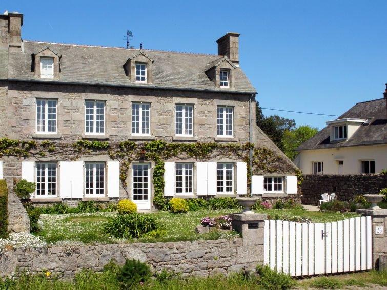 Vacation home in Reville, Normandy / Normandie - 11 persons, 5 bedrooms, location de vacances à Montfarville