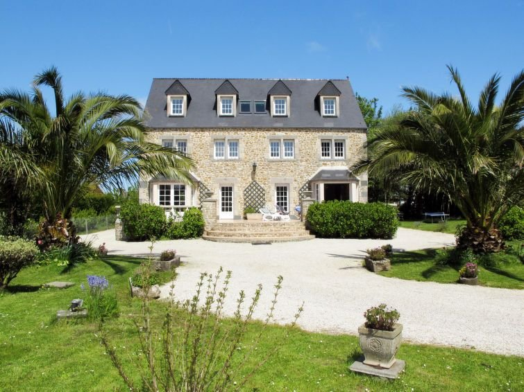 Vacation home in Reville, Normandy / Normandie - 8 persons, 4 bedrooms, holiday rental in Le Vast