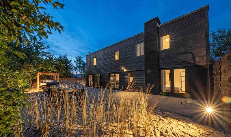 Luxe Privévilla met Strandtuin vlakbij Golfbaan, location de vacances à Den Burg