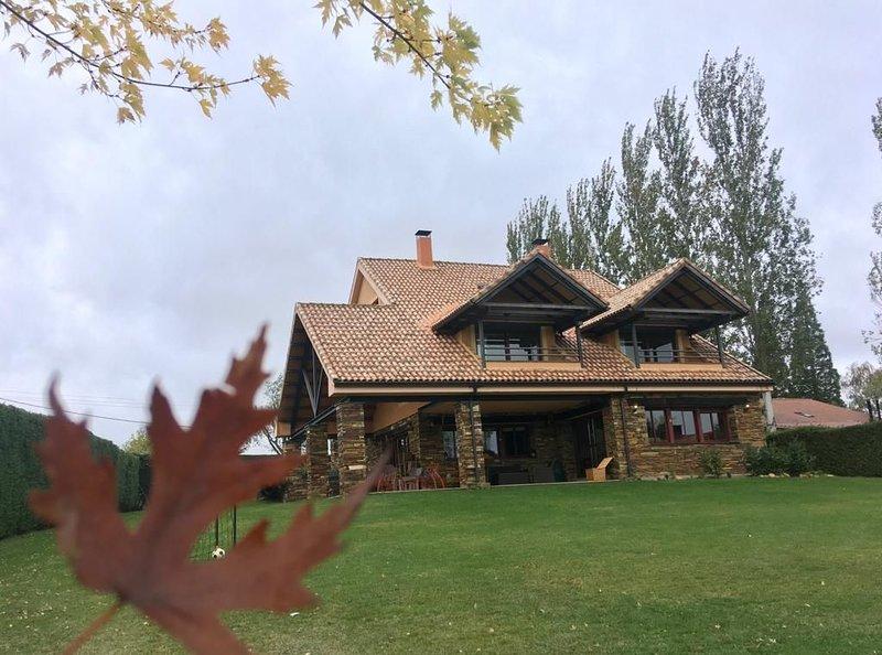 San Benito La Casa de mis Abuelos para 15 personas, vakantiewoning in Riaza