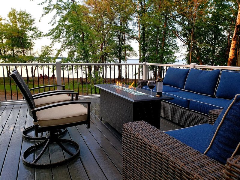 Ultra Private Lake Home on PERFECT Sandy Beach! NEW to VRBO 2020!, vacation rental in Walker