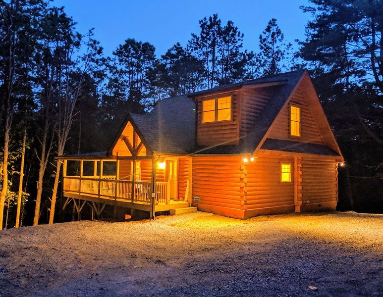 Luxury Cabin south of Asheville, vacation rental in Fletcher