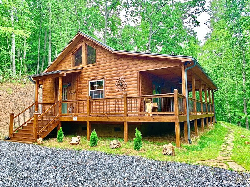 The Lazy Moose Mountain Retreat. Rest & Adventure!, holiday rental in Brasstown