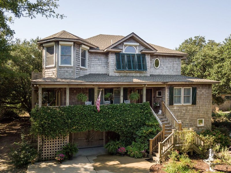 The Cottage OBX -- A Bees Nees Getaway, holiday rental in Southern Shores