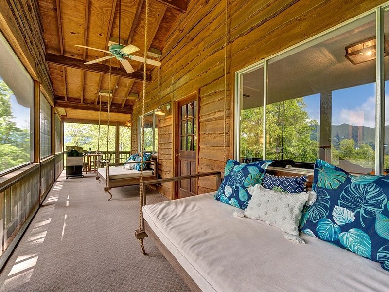 Free Whitewater Rafting - Secluded Luxury - Modern AND Rustic Cabin, location de vacances à Fontana Dam