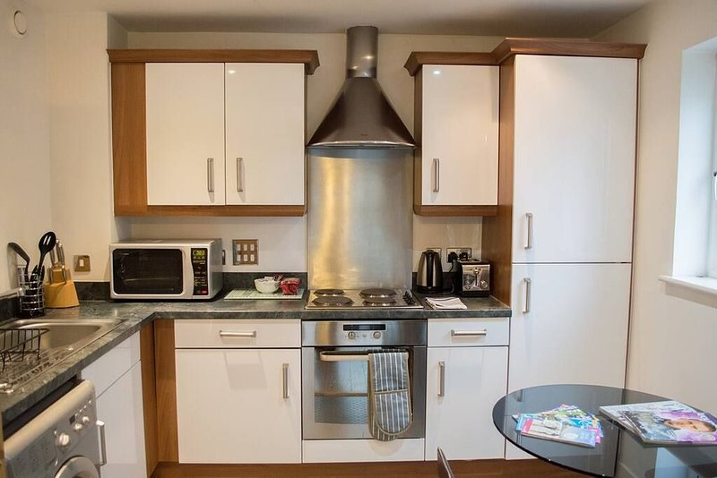 Modern Apartment in the Copper Quarter - 1 Bed, holiday rental in Skewen