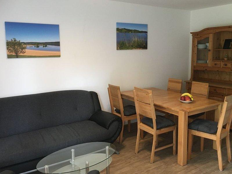 Ferienwohnung am Brombachsee mit Sonnenterrasse und Grill, alquiler de vacaciones en Rottenbach