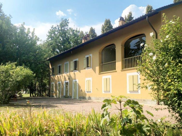 Ferienhaus Giorgio (FRR200) in Ferrere - 12 Personen, 5 Schlafzimmer, vacation rental in Cantarana