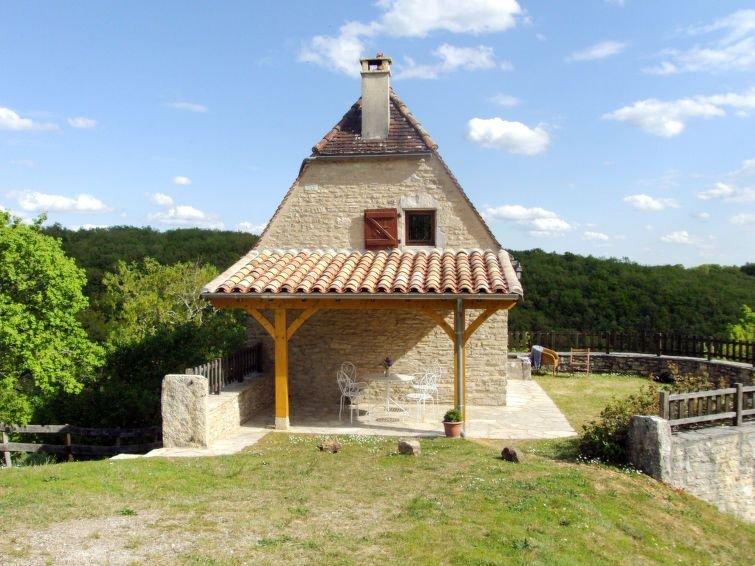 Vacation home in Labastide - Murat, Périgord - 4 persons, 2 bedrooms, location de vacances à Montfaucon