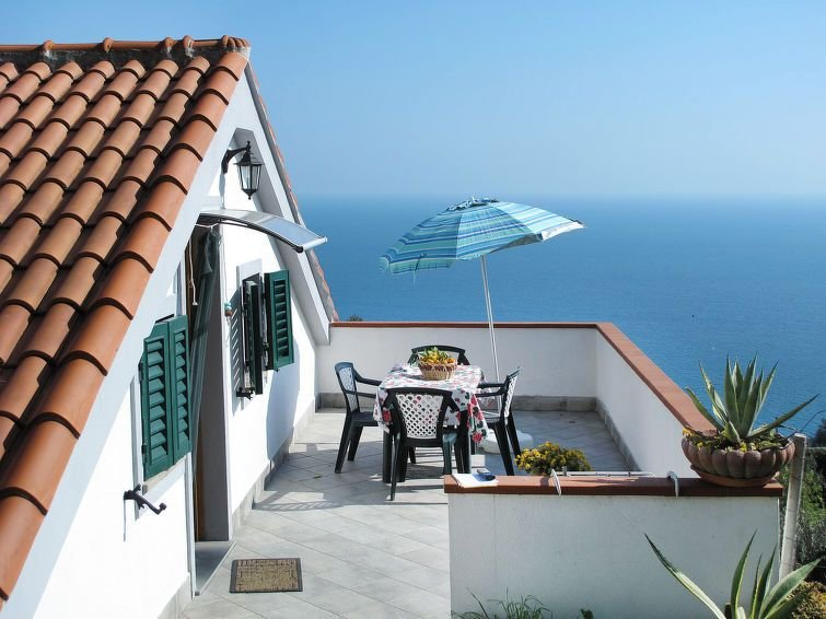Apartment Casa Simone  in Finale Ligure, Liguria: Riviera Ponente - 4 persons,, vacation rental in Finale Ligure