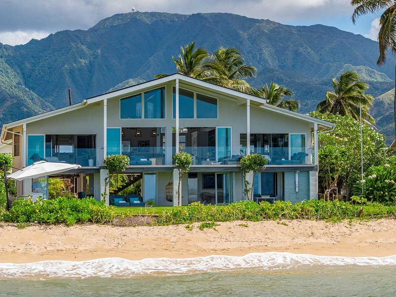 LUXURY 5+ Bedroom Including Separate Studio Apartment, aluguéis de temporada em Waialua