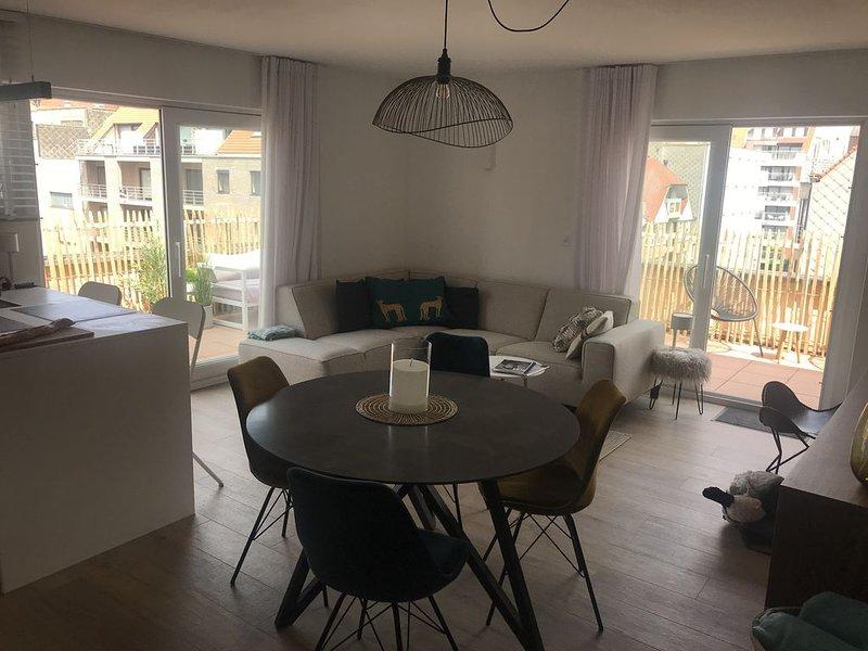 Penthouse 4/5 personnes à 300 m de la mer, location de vacances à Zeebrugge