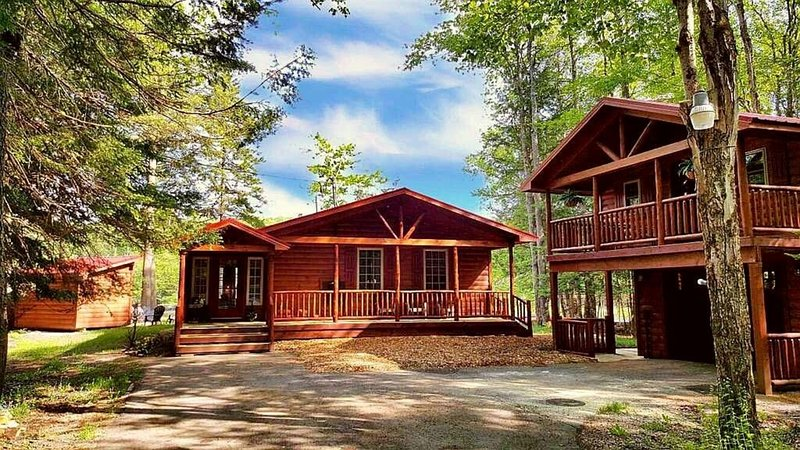 Moose River Cabin located on the Majestic Moose River! Near Old Forge NY – semesterbostad i Woodgate